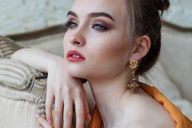 baza pod makijaż do cery tłustej